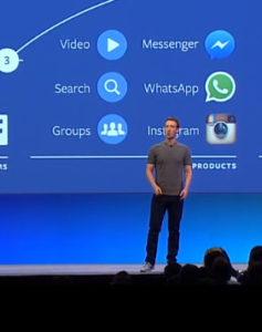 Mark Zuckerberg en el escenario presentando su charla